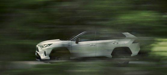 """Viso pasaulio žmonės įvertino: """"Toyota RAV4"""" parduota daugiau nei 10 milijonų"""
